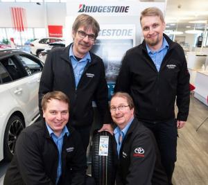 Tervetuloa Kuopion parhaille rengaskaupoille! Tutustu edullisiin Bridgestone ja Firestone rengastarjouksiimme ja tule Kallantiel...