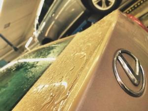 Tiesitkö, että meillä onnistuu myös Lexuksien huollot ja korjaukset? Tänään huollon puolella on asiakkaiden Lexus IS 250 sekä Lexus RX 450h. Varaa huolto helposti osoitteesta: https://www.kuopionautokauppa.fi/huolto/huoltovaraus.html