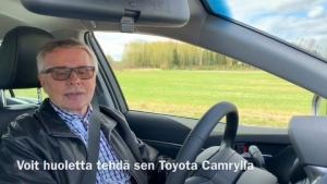 Pitkäaikainen asiakkaamme Markku Utriainen koeajoi uuden Toyota Camry Hybridin. 👍🏻 Täysin uusi Camry Hybrid on kokonaisuus, joka sisältää näyttävän ulkomuodon, ylellistä mukavuutta sekä edistyksellistä teknologiaa. Markulla on laaja tuntemus hybridautoista, ja hän on omistanut myös Toyota Camryn noin 10 vuotta sitten. Katso videolta, mitä mieltä Markku on uudesta Camrysta!